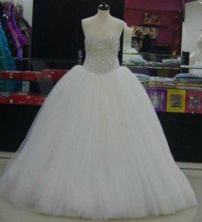 تشكيلة واسعه من بدلات الزفاف والخطوبه وفساتين السه