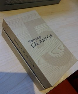 New Samsung Galaxy S5, Apple iPhone 5s Gold, Black