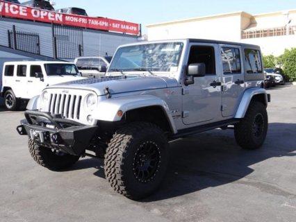 Jeep Wrangler Unlimited Sahara - 4x4 Sahara