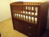 سرير أطفال مستعمل للبيع